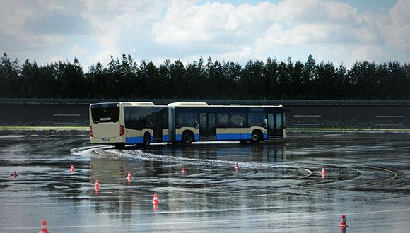 event-fahrtrainings-ga-fahrsicherheitstraining-bus-1